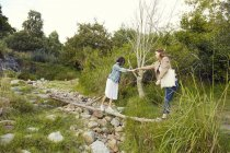 Women walking in nature — Stock Photo