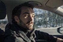 Guida auto giovane — Foto stock