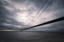 Reino Unido, Inglaterra, Kingston sobre casco, puente de Humber - foto de stock
