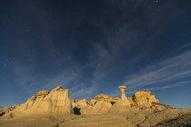 USA, New Mexico, San Juan Becken, Tal der Träume, Badlands, ah-shi-sle-pah waschen, Sandstein Felsformation, Hoodoos in der Nacht — Stockfoto