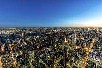 Нью-Йорк міський пейзаж у сутінках — стокове фото