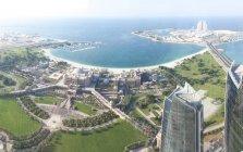 UAE, Abu Dhabi, Emirates Palace Hotel at the waterfront — Stock Photo