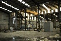 Armazém da fábrica de cimento vazio — Fotografia de Stock