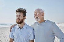 Senior man with adult son — Stock Photo
