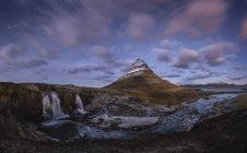 Ісландія, kirkjufell, snaefells водоспад, гори вечірній світло — стокове фото