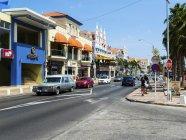 Вид здания и дороги в дневное время, Ллойд Смит G бульвар — стоковое фото