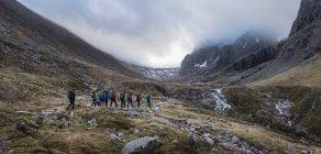 Непал, Гімалаї, Кхумбу, Еверест регіон. Мандрівників, прогулянки в гори — стокове фото