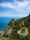 Живописный пейзаж с видом на прибрежные серпантин, Сицилия, Италия — стоковое фото