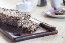 Насіння та свіжі зробив vegan горіх хліб — стокове фото