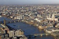 Повітряні міський пейзаж з та Вестмінстерського собору Святого Павла та, Лондон, Англія — стокове фото