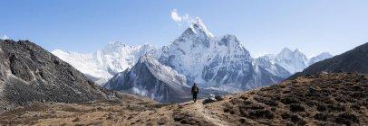 Nepal, Himalaya, Khumbu, regione dell'Everest, Kongma La, Ama Dablam, escursione nelle montagne dell'uomo — Foto stock