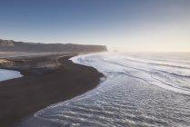 Praia de Reynisfjara do Sul da Islândia, Islândia — Fotografia de Stock