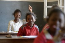 Madagaskar, élèves à l'école primaire de Fianarantsoa — Photo de stock