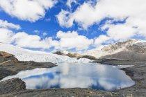 Sdamerika, Перу, Анден, Nationalpark Huascarn. Кордильєра-Бланка, Tuco Невадо, Льодовикове озеро та pastoruri glacier більше 5000 м — стокове фото