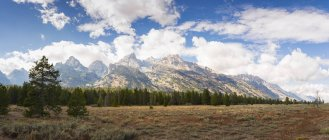 USA, Wyoming, Grand Teton Nationalpark mit Bergkette — Stockfoto