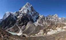 Непал, Гималаи, Кхумбу, Эверест регион, Чо Ла, Cholatse пик — стоковое фото