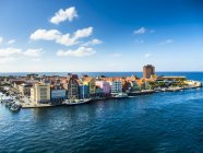 Curacao, Willemstad, Punda, colorful houses at waterfront promenade — Stock Photo