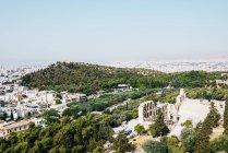Atene, Grecia. La città e l'Odeon di Herodes Atticus, dall'Acropoli. — Foto stock