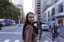 Young businesswoman with digital tablet, Manhattan, New York City . US — Stock Photo