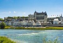Франція, Амбуаз, вид на Замок Амбуаз — стокове фото