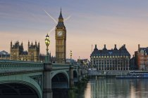 Palace of Westminster, Houses of Parliament and Big Ben, Westminster Bridge, London, UK — Stock Photo