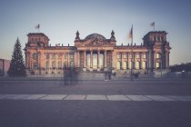 Berlino, Germania, vista di Reichstag alla sera — Foto stock