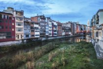 Spain, Catalonia, Girona, houses on the Onyar River, cityscape — Stock Photo