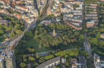 Alter Elbpark park and Bismarck Monument — Stock Photo