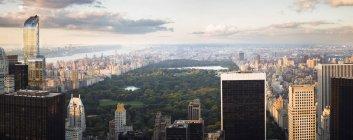 США, Нью-Йорк skyline з Центрального парку на заході сонця — стокове фото