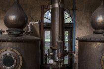 Cape Town, South Africa, copper boilers in whiskey distillery — Stock Photo