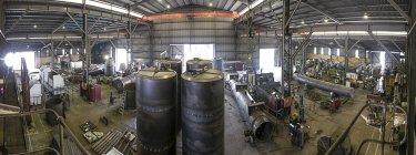 Панорамный вид заводского цеха металлургического завода — стоковое фото