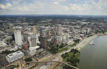 USA, Tennessee, aerial view of downtown Memphis and the Mississippi River — Stock Photo