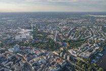 Karolinenviertel with Heinrich-Hertz Tower in Hamburg — Stock Photo
