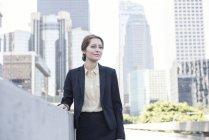 Portrait of confident businesswoman looking sideways — Stock Photo
