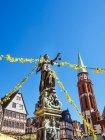 Німеччина, Гессен, Франкфурт, Roemerberg, фонтан правосуддя — стокове фото