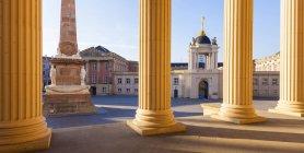 Германия, Потсдам, вид на Обелиск и городского дворца с порталом Фортуна от Церковь Святого Николая — стоковое фото