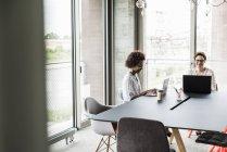 Women working in modern office — Stock Photo
