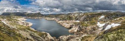 Озеро Andersvatnet, Норвегия — стоковое фото