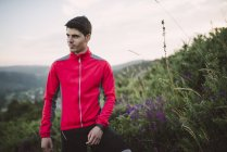 Trail corredor hombre formación - foto de stock