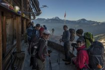 En Suisse, les alpinistes au refuge d'Orny — Photo de stock
