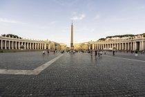 Italien, rom, Ansicht des Petersplatzes mit Obelisk am vatican — Stockfoto