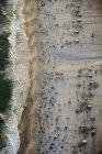 Brasil, Rio de Janeiro, vista aérea da Praia de Ipanema com multidões de fim de semana — Fotografia de Stock