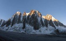 Francia, Chamonix, Glaciar Argentiere, Les Droites, Aiguille Verte - foto de stock