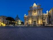 Sicily, Catania, Saint Agatha Cathedral and Poazza del Duomo — Stock Photo