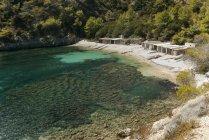 Іспанія, Ібіца, рибальському хатин в Llentrisca пляж — стокове фото