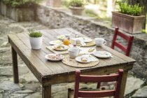 Laid garden table — Stock Photo