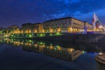Italie, Piémont, Turin, le Pô dans la nuit — Photo de stock