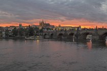 Czechia, Prague, Sunset over Prague Castle and Charles Bridge — Stock Photo