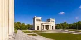 Germany, Munich, view to Propylaea at Koenigsplatz during daytime — Stock Photo