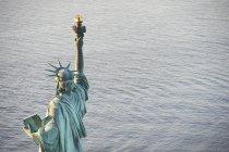 Stati Uniti, New York State, New York City, vista della statua della libertà — Foto stock